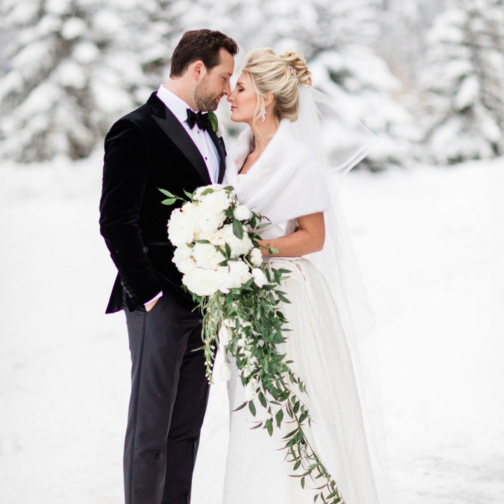 Winter wedding photography in Aspen Colorado photography by Tara Marolda